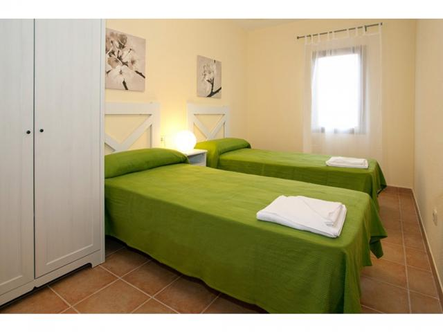 Twin bedroom - Villas del Sol deluxe, Corralejo, Fuerteventura
